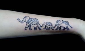 Tatuaje de familia de elefante