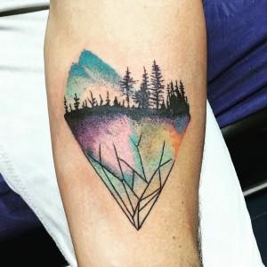 Tatuaje de siluetas de árboles