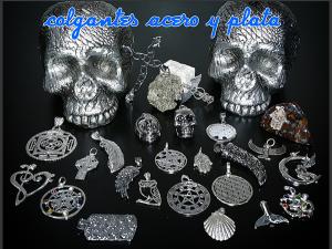 Colgantes de acero y plata
