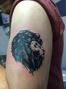 Tatuaje de una cabeza de león realizado en Madrid