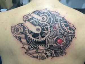 Tatuaje de rodamientas de mecanismo de la espalda