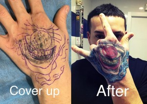 Tatuaje cover en mano