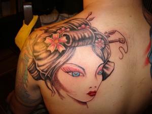 Tatuaje de cabeza de geisha