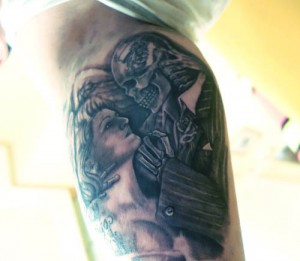 Tatuaje de la muerte y una mujer