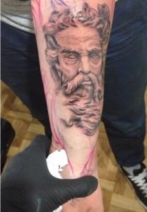Tatuaje de dios griego