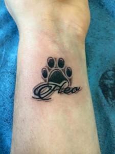 Tatuaje de huella de gato