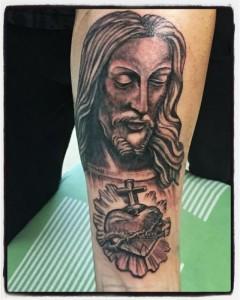 Tatuaje de Jesús y sagrado corazón