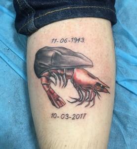 Tatuaje de mejillón y gamba