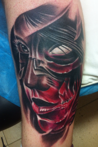 Tatuaje de mujer sin ojo