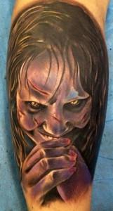 Tatuaje de la niña de el Exorcista