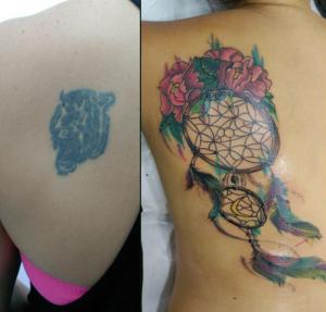 Tatuaje de cover up con un atrapasueños