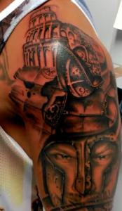 Tatuaje de guerrero en el Coliseo