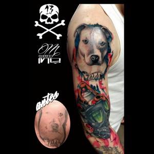 Tatuaje de perro en brazo
