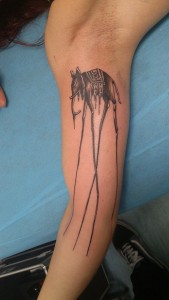 Tatuaje de elefante con patas grandes