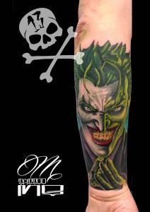 Tatuaje de cara de Joker película de Batman