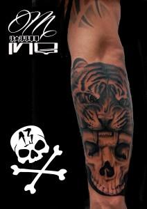 Tatuaje de calavera y cabeza de tigre