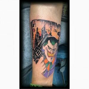 Tatuaje caricatura de Joker
