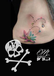 Tatuaje de nenúfar en tripa