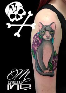 Tatuaje de gato gris