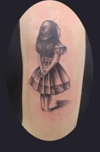 Tatuaje de niña pequeña