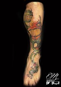 Tatuaje de Bender y monstruos