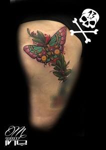 Tatuaje de mariposa con colores