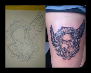 Tatuaje de reloj de arena alado