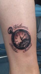 Tatuaje de reloj antigüo