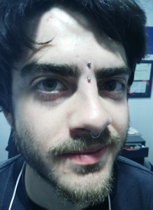 Piercing vertical surface eyebrow
