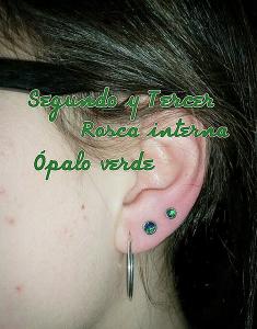 Piercing con ópalo verde