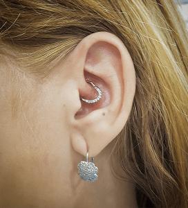 Piercing helix con cambio de joyería