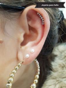 Piercing joyería para helix realizado en nuestro centro de Vaguada de Madrid