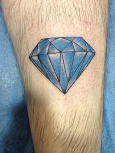 Tatuaje de diamente azul