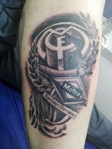 Tatuaje de escudo del Real Madrid realizado en nuestro centro de Montera de Madrid
