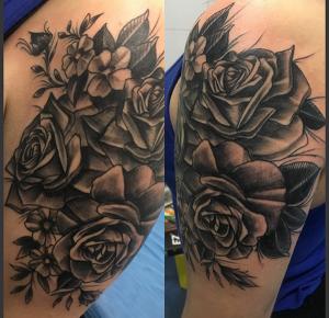 Tatuaje de rosas negras