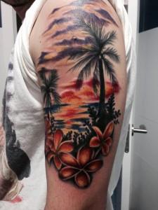 Tatuaje de isla paradisiaca