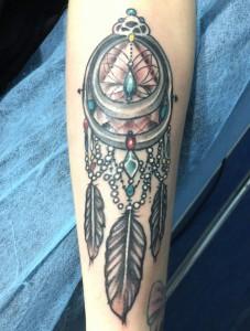 Tatuaje de atrapasueños en colores