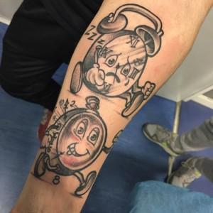 Tatuaje de despertadores