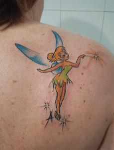 Tatuaje de Campanilla realizado en nuestro centro de Vaguada de Madrid