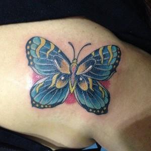 Tatuaje de mariposa azul