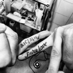 Tatuaje en dedos